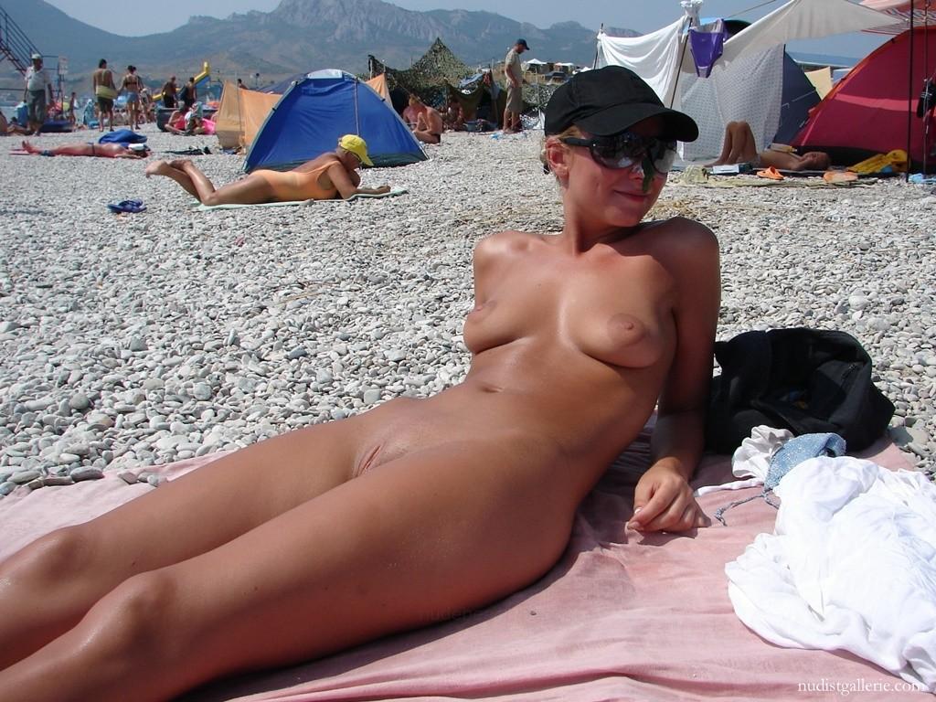 Пляже грудастые женщины пляже нанудиском