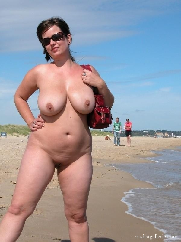 thick-woman-nude-beach